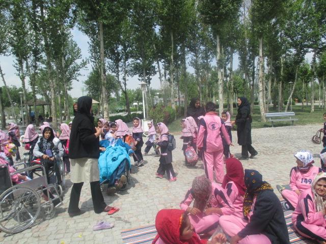 اردوی تفریحی توانخواهان به پارک فولادشهر